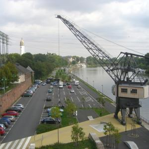 Frankfurt Höchst/ Parkplätze Nähe Leunabrücke